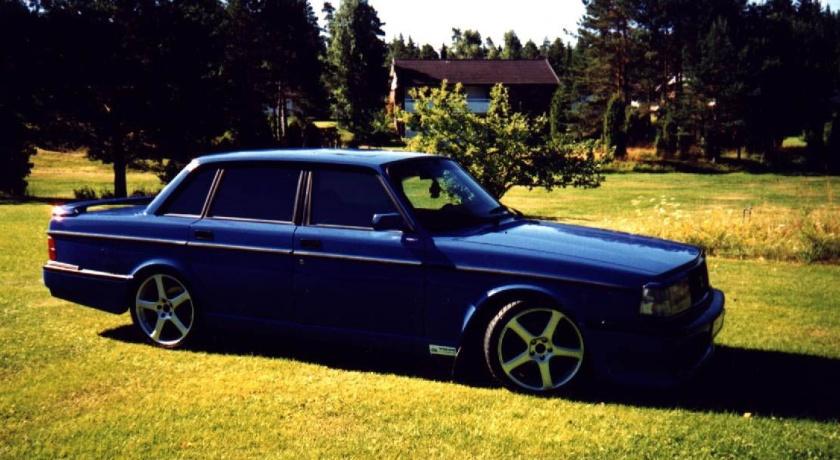 1983 Volvo 240 4