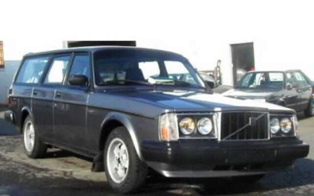 1983 Volvo 245 2