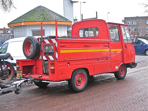 1985 PEUGEOT J9 Desautel 888D35 Pick-up