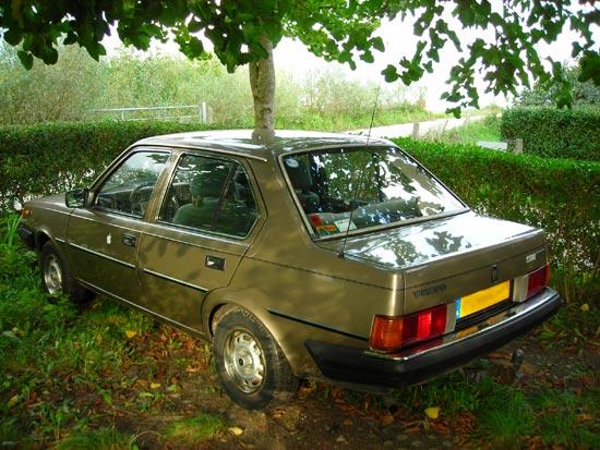1985 Volvo 360 sedan