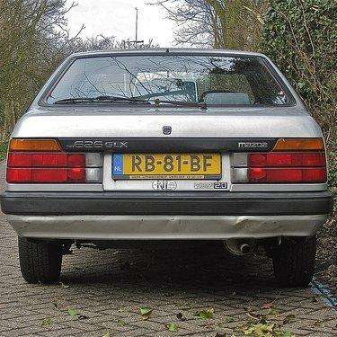 1986-mazda-626-hatchback-automobile-model-years-photo-u1