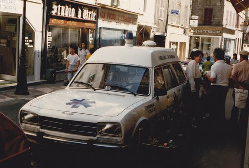 1986 Peugeot 504 break ambulance, 1986, Montbrison, France