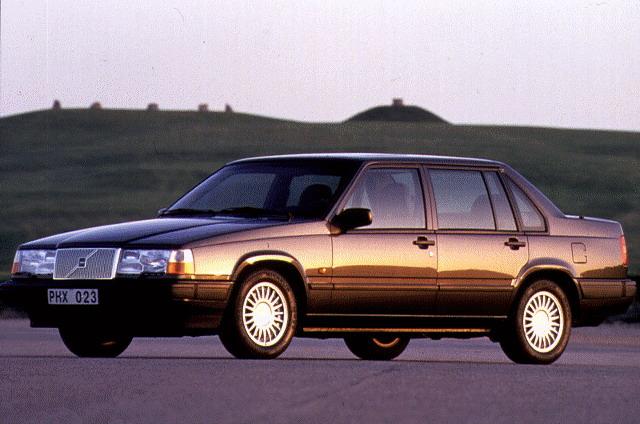 1990 Volvo 940 2
