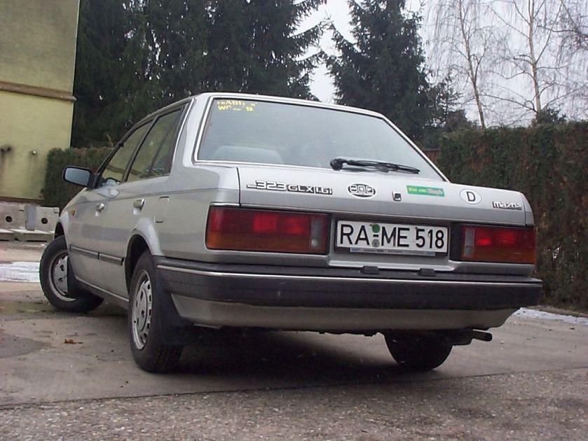 1991 Mazda_323_BF_Heckansicht