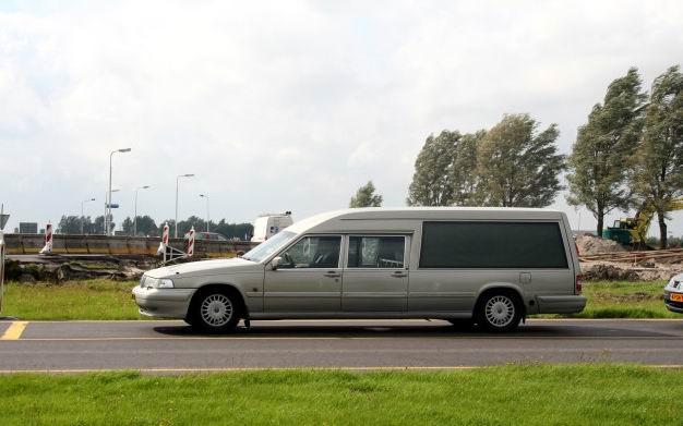 1998 Volvo Hearse (2)