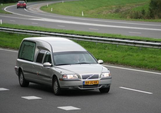 1998 Volvo hearse b