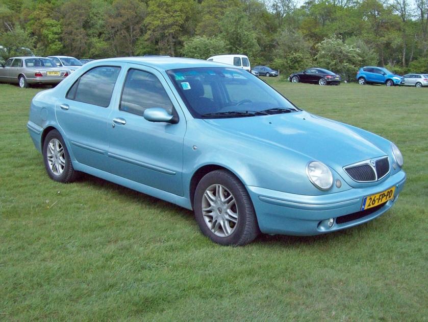 1999-06 Lancia Lybra