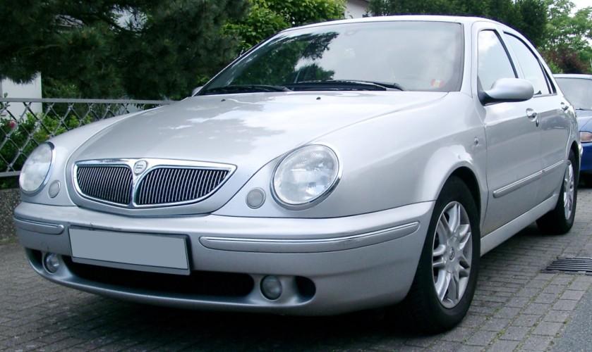 2007 Lancia Lybra front