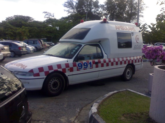 2008 Holden Commodore Ambulance Brunei