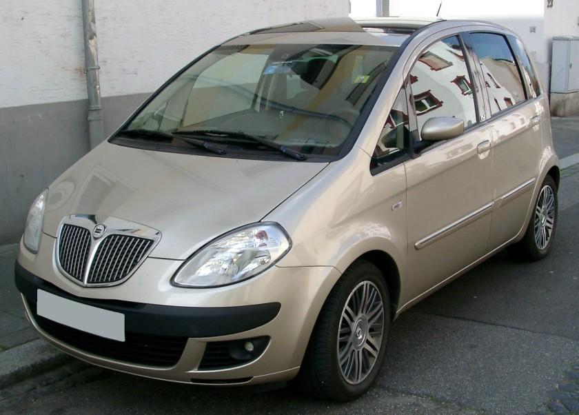 2008 Lancia Musa front