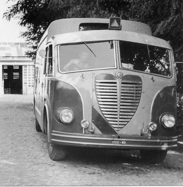 A R 800 race transporter 1