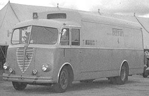 A R 800 race transporter 13933