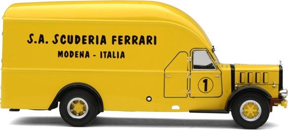 Alfa Romeo 500 race transporter 13688
