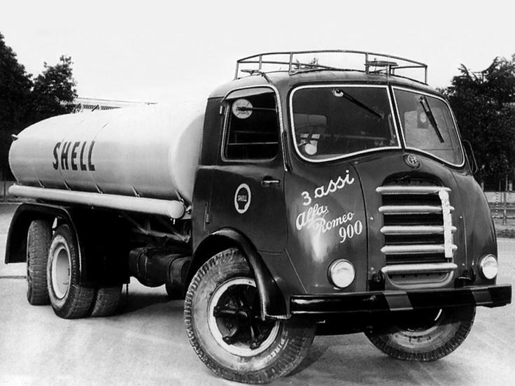 Alfa Romeo 900 3 Assi tanker