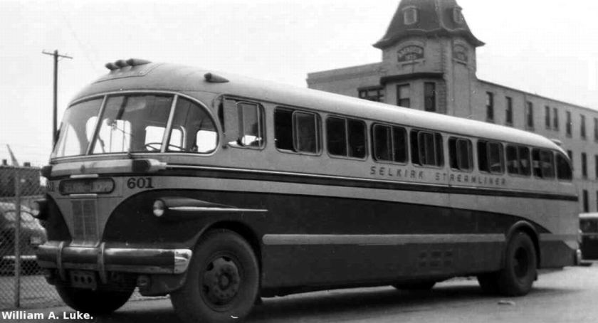 Bussen Canadian Car IC-41 Selkirk-GWTC601 streamliner2-foto-William A luke 1946