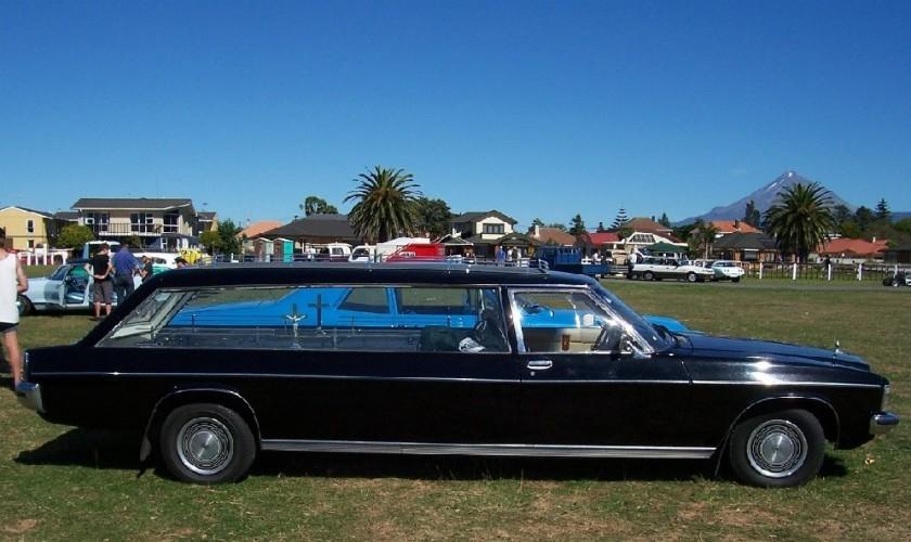 Holden HX hearse 3