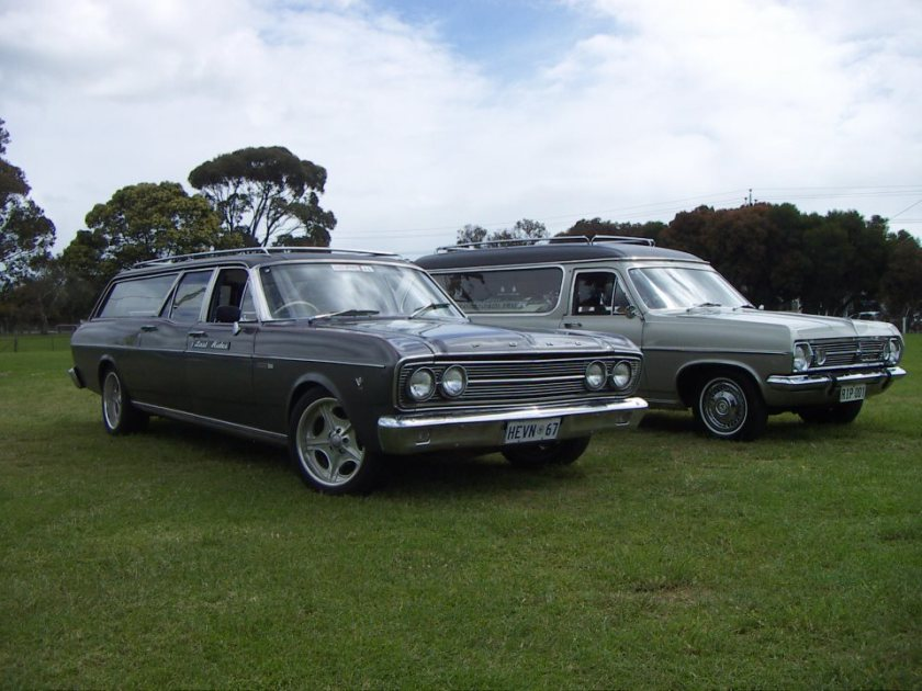 Holden R en Ford L