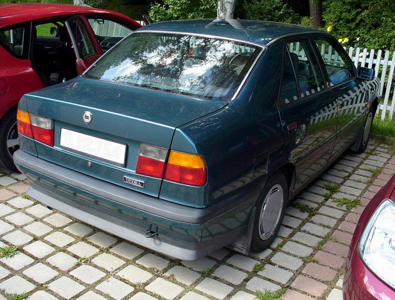 Lancia Dedra rear