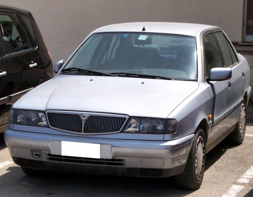 Lancia Dedra silver