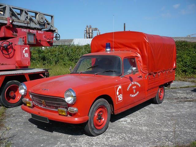 peugeot-404-fire-extinguisher-L-JiGlc5