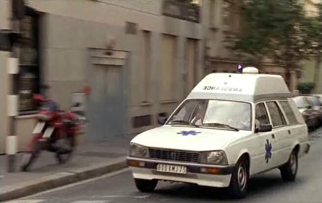 peugeot-505-ambulance-01