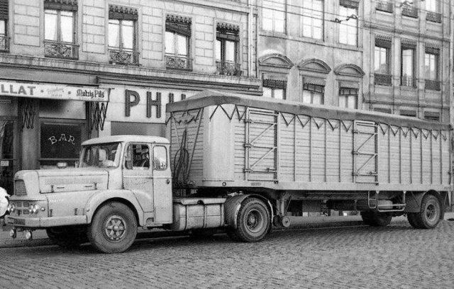 Trucks UNIC ZU 120 T de 1957
