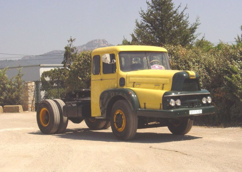 Trucks UNIC ZU 120 T IZOARD (1954)