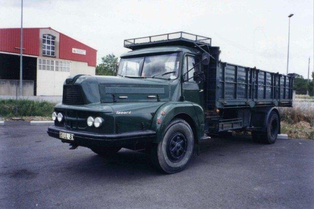 Trucks UNIC ZU 122 de 1959 19 tonnes