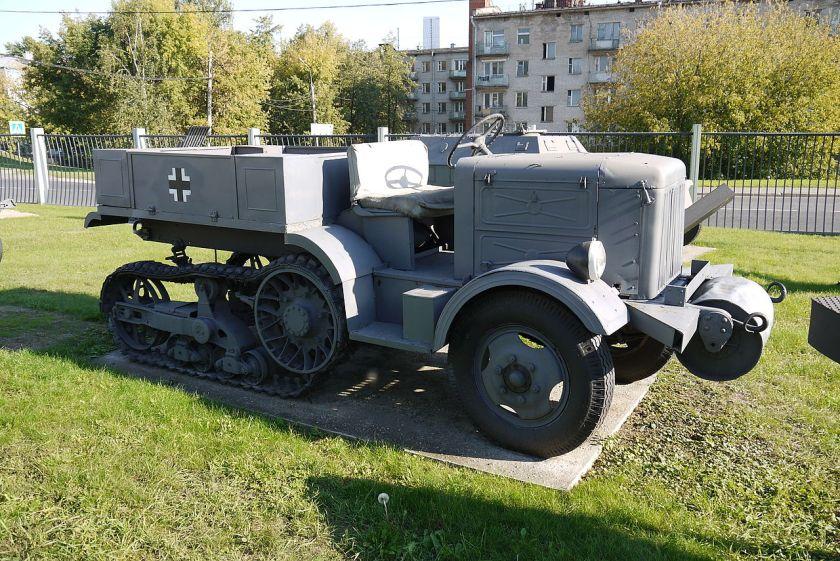 Unic-Kegresse P107 halftrack Moscow.