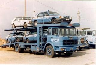 Unic met Alfa Romeo Politiewagens