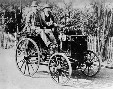 1890-95 Panhard et Levassor. This model was the first automobile in Portugal