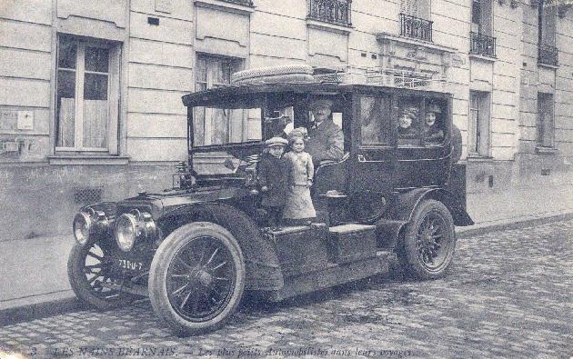 1909 Panhard 18HP Limousine op straat