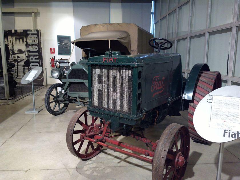 1911 Fiat 702 e autocarro Fiat 18BL