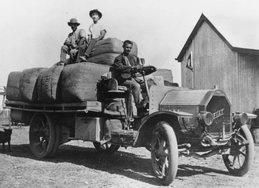 1915 Italian FIAT truck wth spider wheels, 2-3 ton capacity
