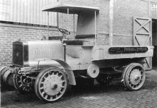 1915 Panhard Chatillon