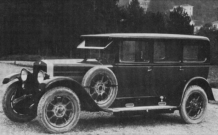 1924 Fiat 519 A Guida interna Sedan
