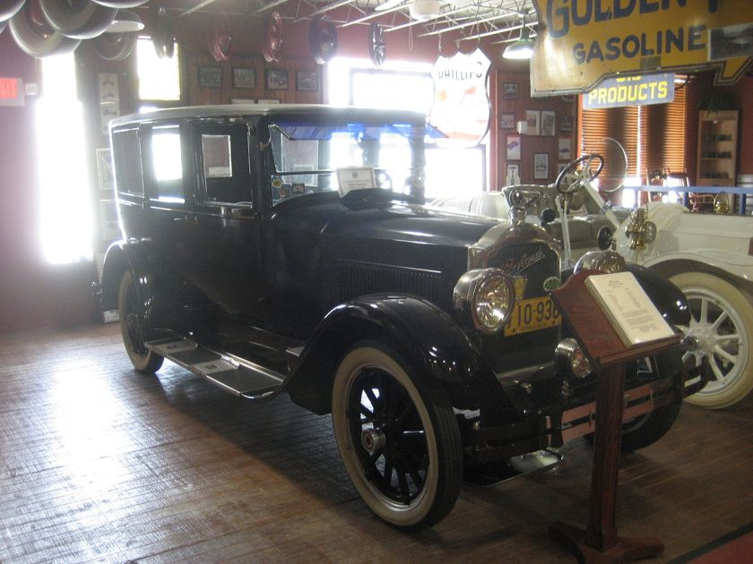 1924 Packard Single Eight 143 Town Car by Fleetwood