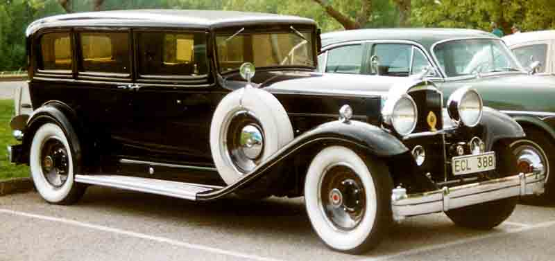 1932 Ninth Series De Luxe Eight model 904 sedan-limousine