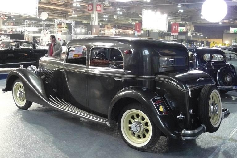 1934 Panhard_X72_ar