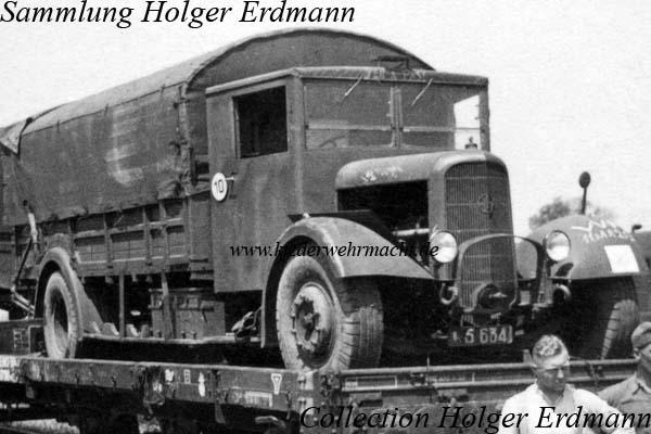 1936 Panhard K 91 auf Bahn verladen