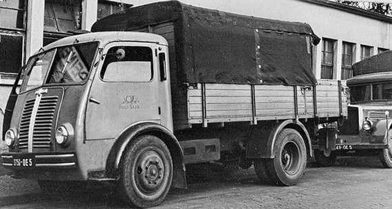 1949 Berliet GLA un des premiers tombés des chaînes de Vénissieux