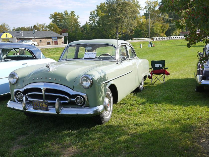 1951 Packard 200 Touring Sedan Modell 2401-2492