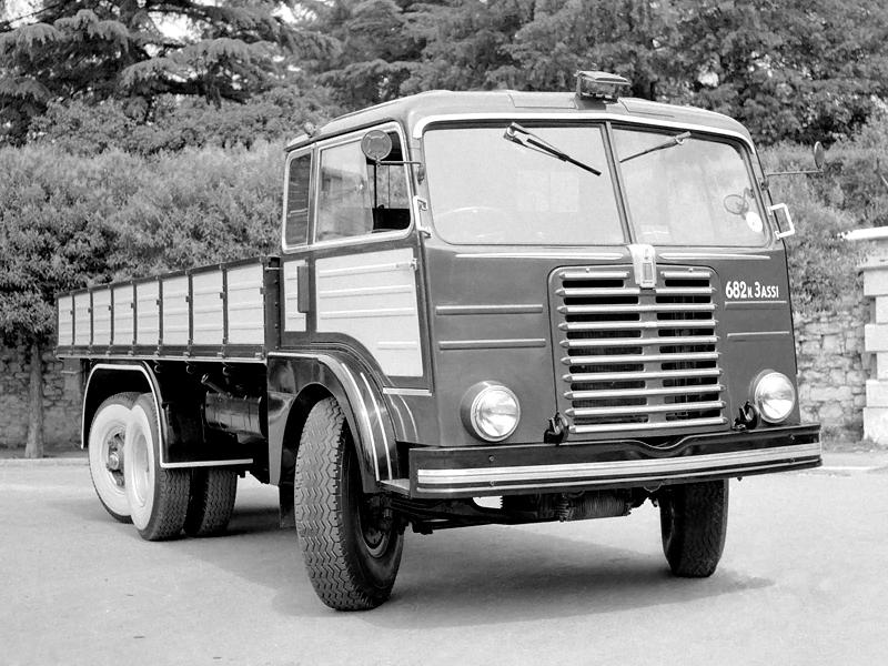 1952-55 Fiat 682 N