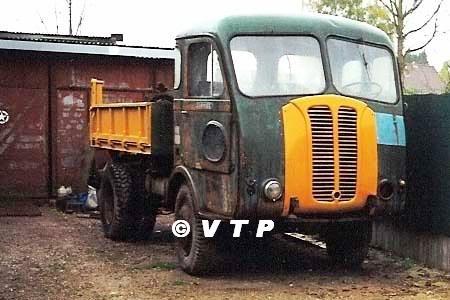 1953 Panhard3