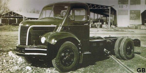1955 BERLIET GLC 6 a tombé de chaînes de Vénissieux
