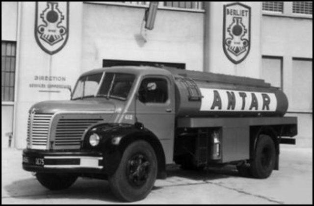 1955 BERLIET GLR 8 a de la flotte ANTAR