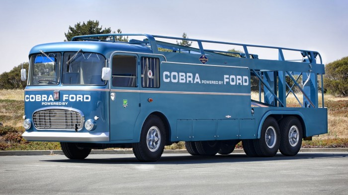 1956 Fiat Series 306-2 Grand Prix transporter