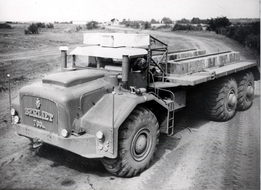 1958 Berliet T100-700
