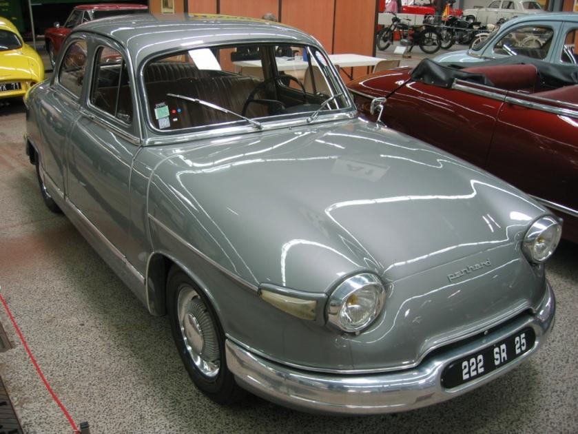1959-65 Panhard_PL17_005