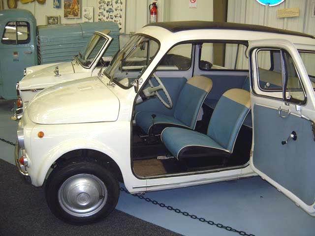 1961 Fiat 500 K zijzijde Giardiniera